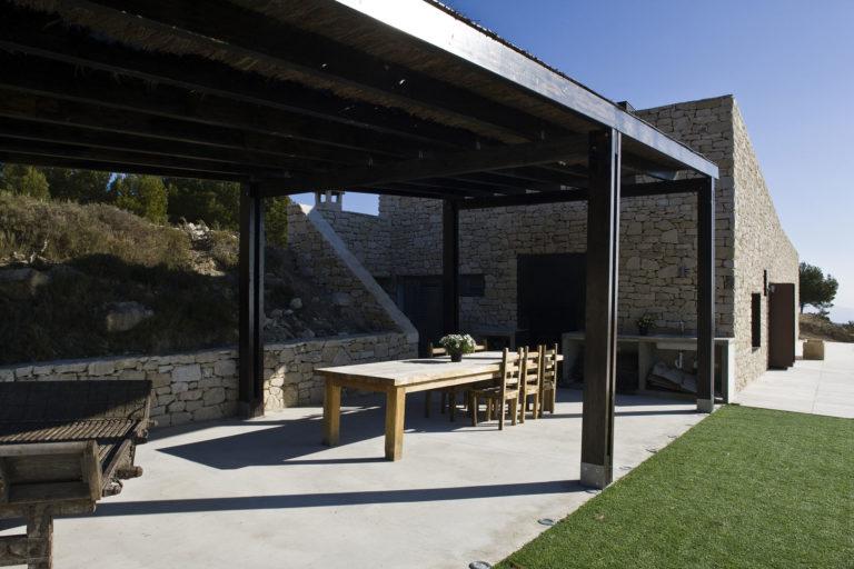 Proyecto arquitectónico casa en la montaña de Relleu